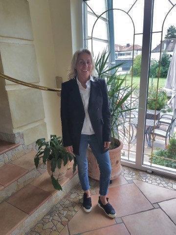 Anna-Maria Saller, Kartenlegerin in Osterhofen